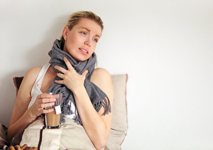 Простудные заболевания с насморком лечатся у беременных под контролем врача