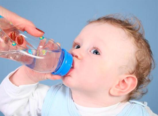 Обильное питье при насморке для ребенка
