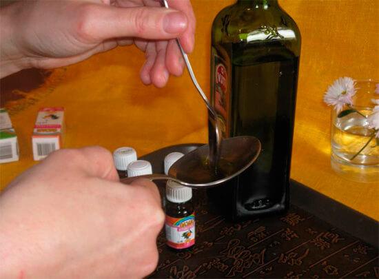 Приготовление масляных капель от насморка у детей