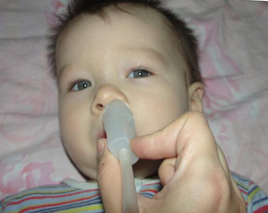 Отсасывание соплей у малыша