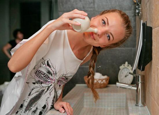 Промывание носа может ослабить проявления аллергического ринита