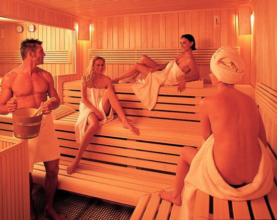 В случае вирусного или бактериального насморка не стоит идти в баню