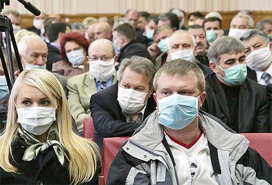 В период вспышек респираторных заболеваний, связанных с общим падением иммунитета, легко подхватить как вирусные, так и бактериальные инфекции