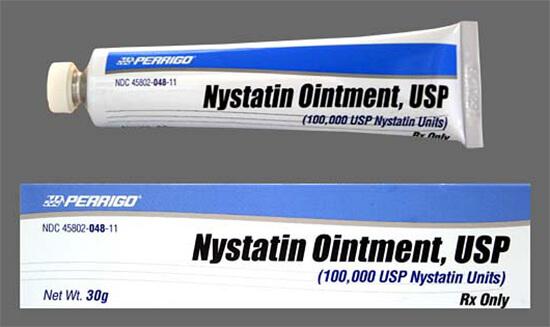 Нистатин в виде мази удобен для нанесения на больное горло при грибковой ангине, но крайне неприятен на вкус