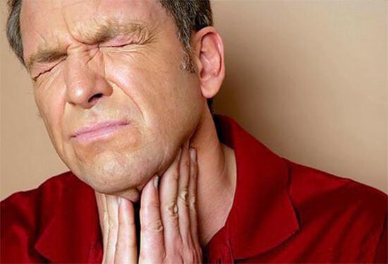 Больное горло при ангине