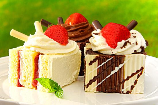 Сладкоежки более подвержены риску развития грибковых заболеваний полости рта, чем те, кто ест мало сладостей.