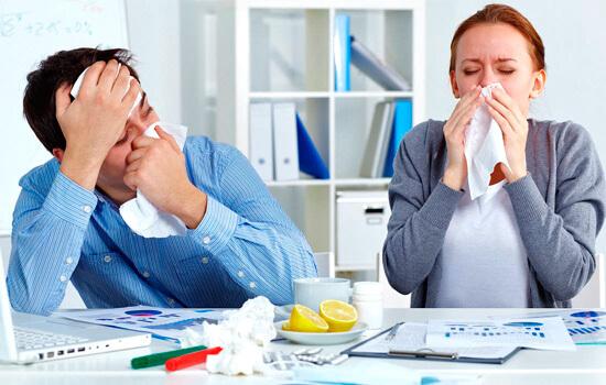 При бактериальной ангине слизистые оболочки носа в воспалительный процесс не вовлекаются.