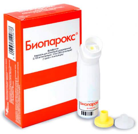 Эффективность спрея с антибиотиком местного действия при лечении ангины сомнительна.