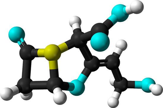 Клавулановая кислота используется также в тандеме с тикарциллином и некоторыми цефалоспоринами.