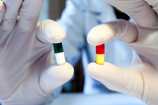 Смена антибиотика возможно только по строгим показаниям и только с учетом эффективности и безопасности обоих средств.