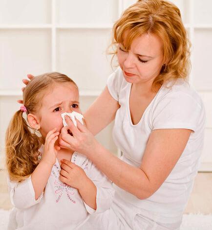 В большинстве случаев насморк означает, что болезнь не требует специального лечения.