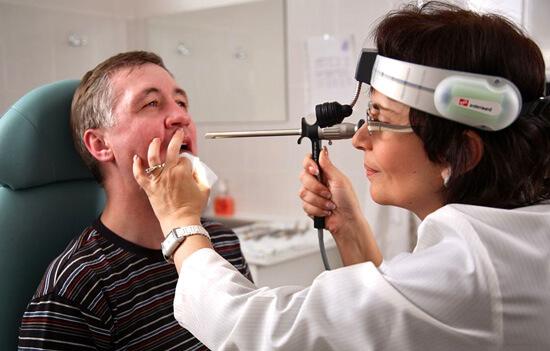 Только врач сможет и правильно диагностировать болезнь, и назначить грамотное лечение.