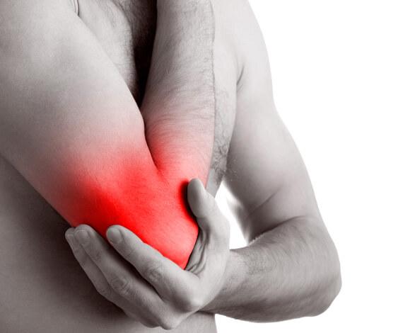 Не многие больные подозревают, что боли в суставах у них - это последствия лечения ангины травами и полосканиям, без антибиотиков.