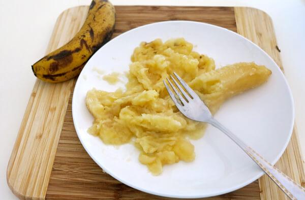 Все блюда для больного в острый период рекомендуется передавливать или взбивать в блендере.
