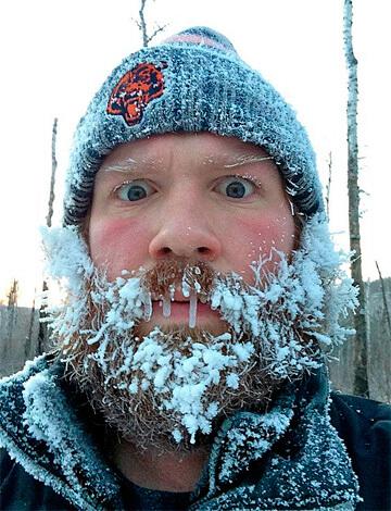 Перед тем, как навестить больного с ангиной, стоит 5-6 часов прогуляться на морозе и ветру...