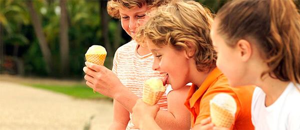 Мороженое не может само по себе быть причиной ангины.