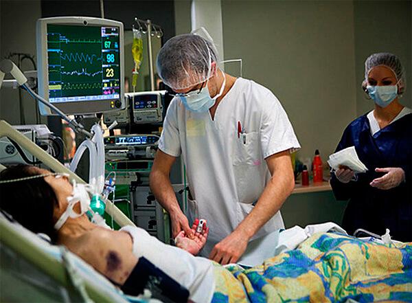Сепсис может протекать настолько стремительно, что даже при желании больной не всегда успевает добраться в больницу.