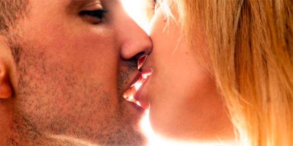 При поцелуе путь микроба из рта одного больного в рот другого минимален.