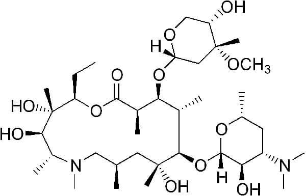 Благодаря отсутствию β-лактамного кольца азитромицин остаётся эффективным против бактерий, устойчивых к пенициллинам.