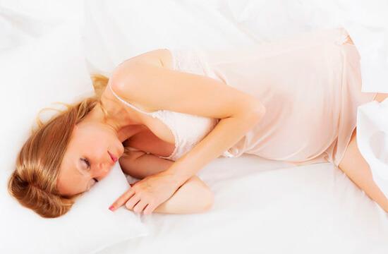 Насморк в 3 триместре беременности представляет определенную опасность. Давайте рассмотрим, в чем она состоит...