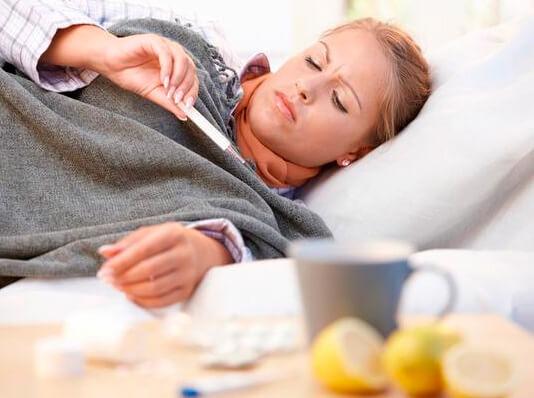Роды при наличии ОРВИ, как правило, проводятся в специальных отделениях родильных домов.