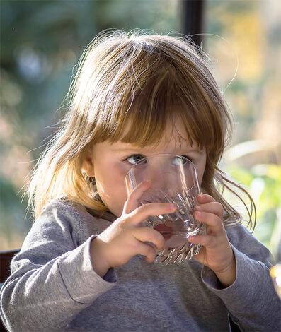 При насморке ребенок потребляет большое количество жидкости