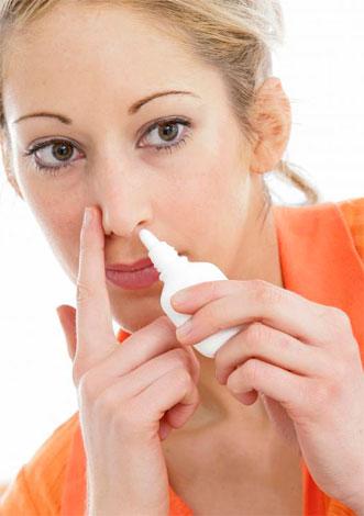 В просторечии спреи также называются каплями, поэтому мы будем говорить и про средства для закапывания в нос, и для впрыскивания. Подойдут ли они беременным? Давайте разбираться...
