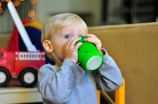 Питье - важное средство от насморка