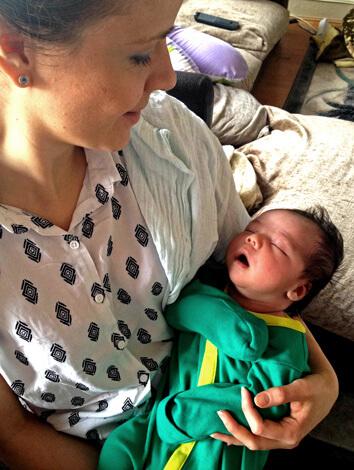 Спящий с открытым ртом ребенок