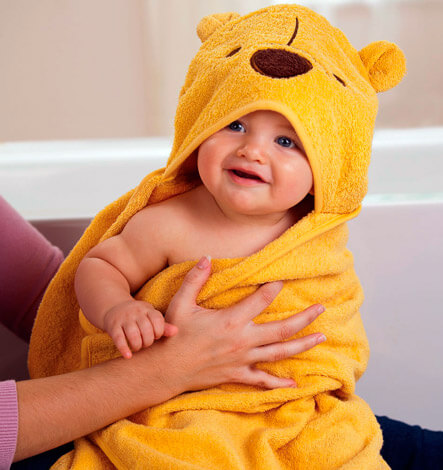 Ребенок в полотенце