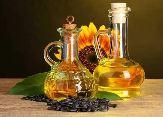 Подсолнечное масло в графинах