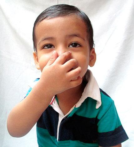 Выясняем, по каким причинам у ребенка может быть заложен нос без наличия насморка...