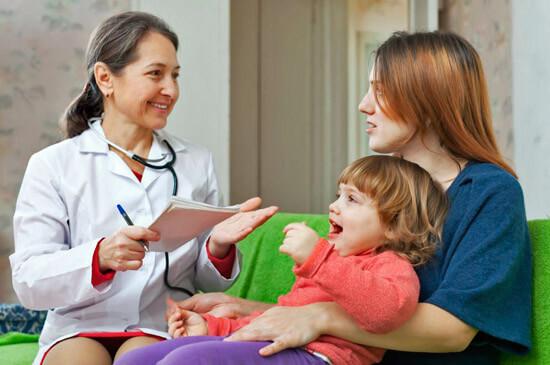 Консультация у врача при ангине