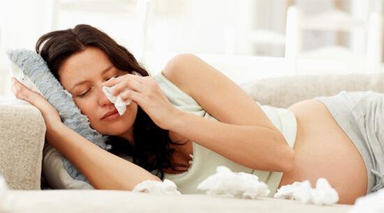 Капли от насморка беременным назначаются врачом в редких случаях.