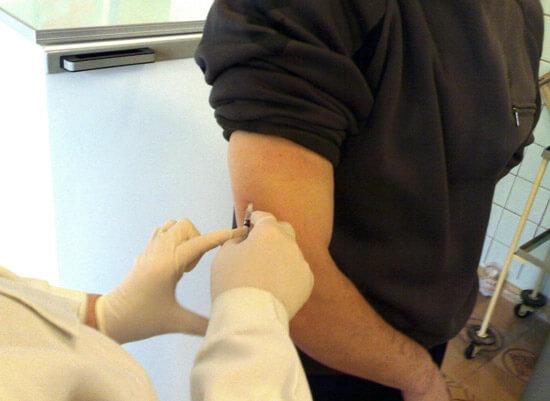 Специфическая иммунотерапия позволяет навсегда избавиться от аллергического ринита.