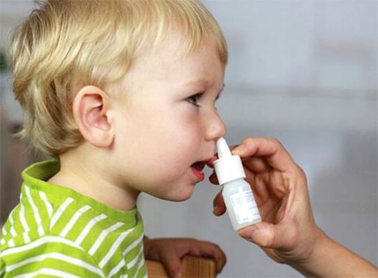 Сосудосуживающий спрей от насморка для ребенка
