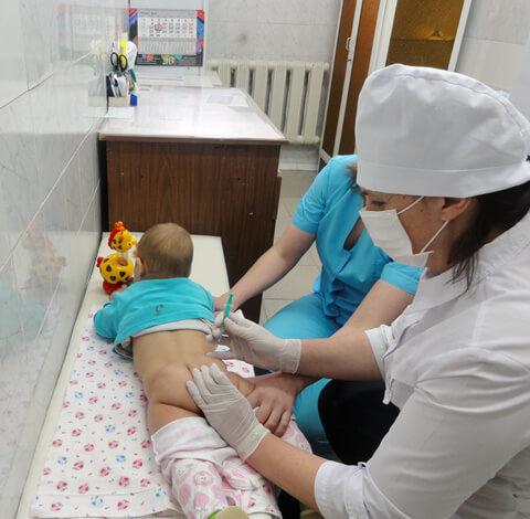 Уколы антибиотиков очень болезненны и тяжело переносятся детьми.
