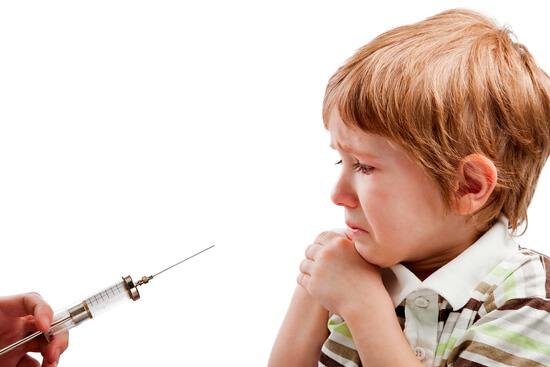 Если при антибиотикотерапии у ребенка есть возможность заменить уколы таблетками, это стоит сделать.