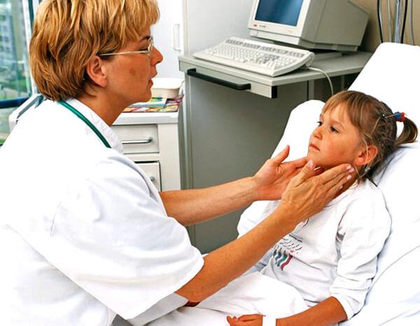 Специалист не только сможет подобрать эффективное и безопасное лечение. Главное - он сумеет разобраться, какая конкретно болезнь у пациента.