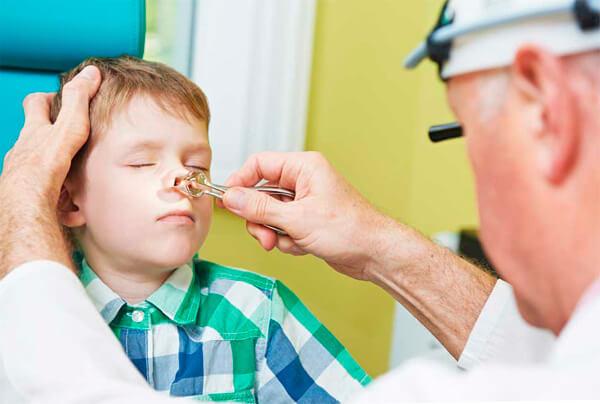 Длительный насморк у детей может быть причиной тяжелой патологии. Рекомендуется проводить тщательное обследование. Обсудим этот вопрос подробнее...
