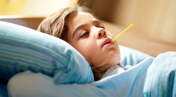 Как правило, в постели при ангине приходится лежать не более 4-5 дней.